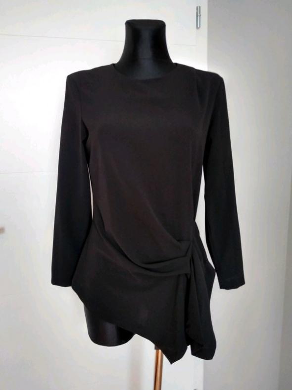 Czarna bluzka z marszczeniem Zara