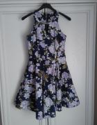 Sukienka flowers rozkloszowana