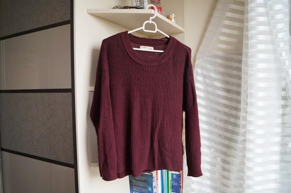 Burgundowy sweterek Pull&Bear M...