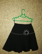 Czarna elegancka rozkloszowana spódnica 128 cm