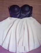 Sukienka gorsetowa rozkloszowana