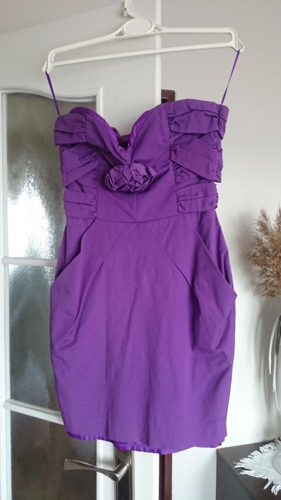 Fioletowa sukienka Asos...