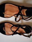 Sandałki Stradivarius