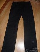 Czarne spodnie MEXX...
