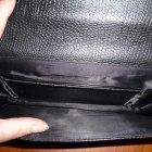 Czarna skórzana kopertówka z paskiem
