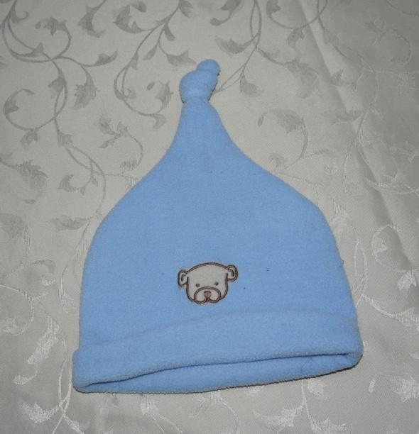 Trzy czapeczki na różne pory roku 2 3 latka