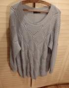 sweterek popielaty...