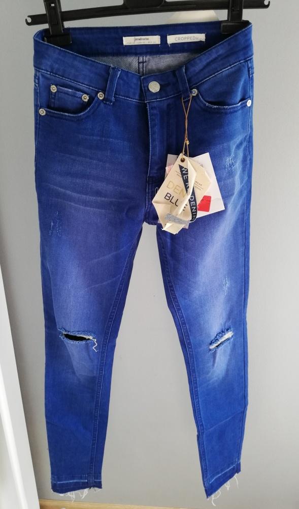 Stradivarius jeansy skinny fit cropped z przetarcia 34