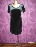 sukienka mała czarna z elastycznego aksamitu...