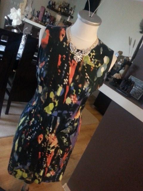 piękna kolorowa sukienka HIT