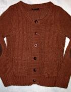 Sweterek z łatami...