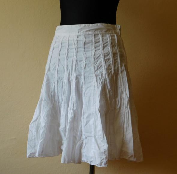 Spódnice Atmosphere biała rozkloszowana spódnica 38