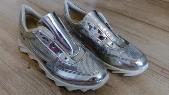 Adidasy srebrne błyszczące damskie 40