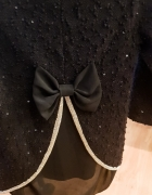 Czarny sweterek z kokardką