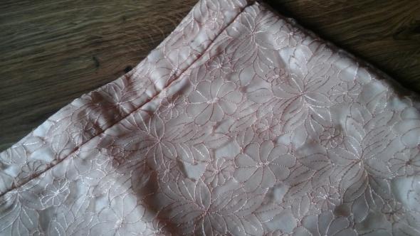 Spódnice Elegancka spódnica haftowana 38