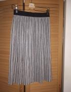 Nowa piękna spódniczka Reserved z błyszczącą nitką...