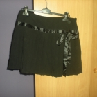 Śliczna czarna plisowana spódniczka z kokardką