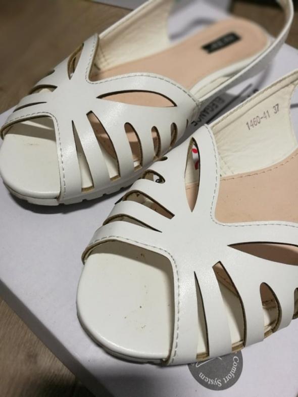 białe sandałki 37 stan idealny