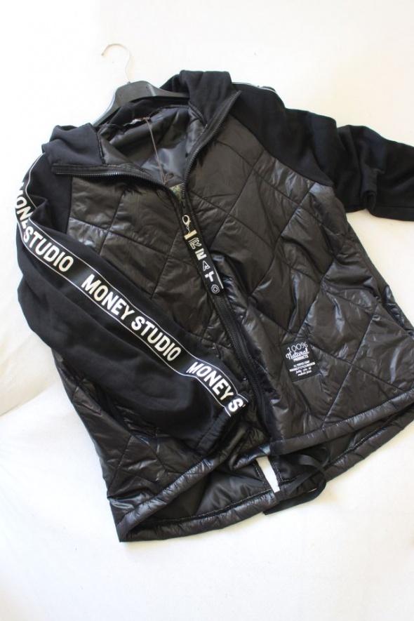 Czarna bluza z łączonych materiałów