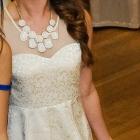 kremowa sukienka S koronka gipura Vila