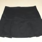 Elegancka czarna mini spódniczka