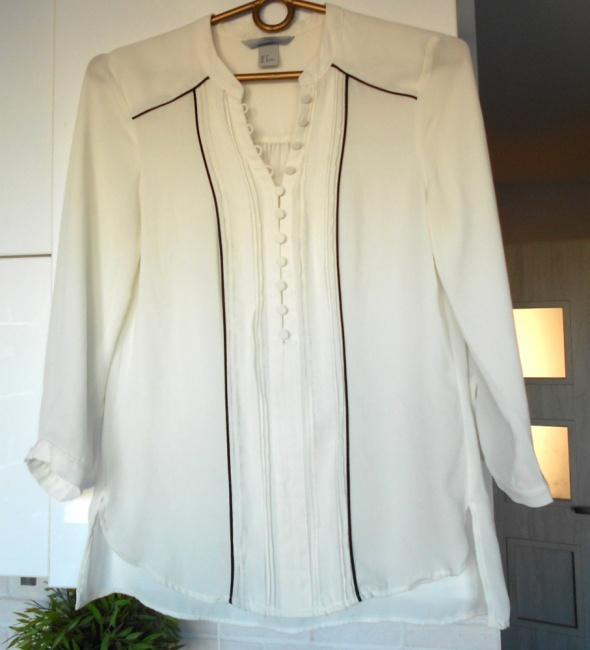 HM biała elegancka bluzka guziki