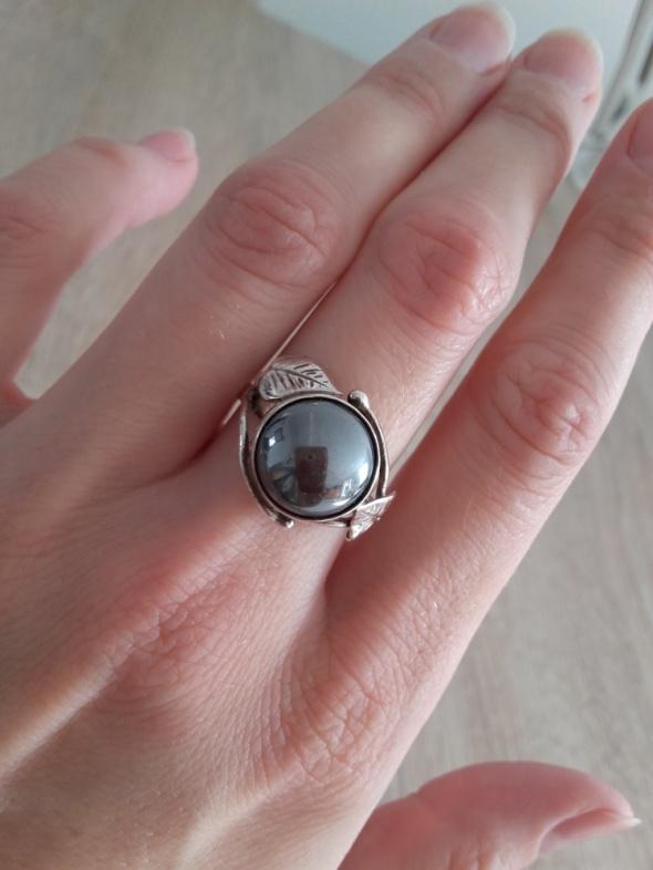 Warmet stary srebrnt pierścionek z listkami z hematytem at
