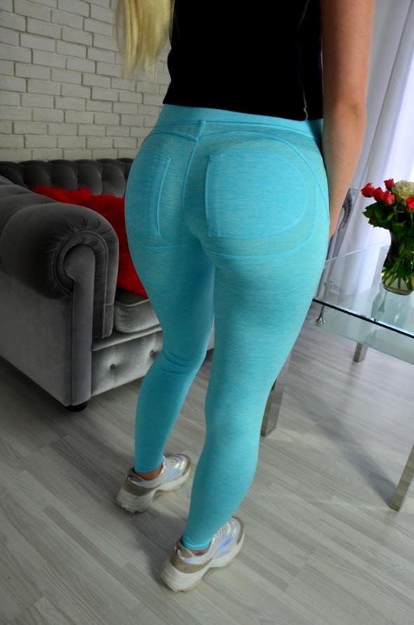 Lazurowe legginsy push up