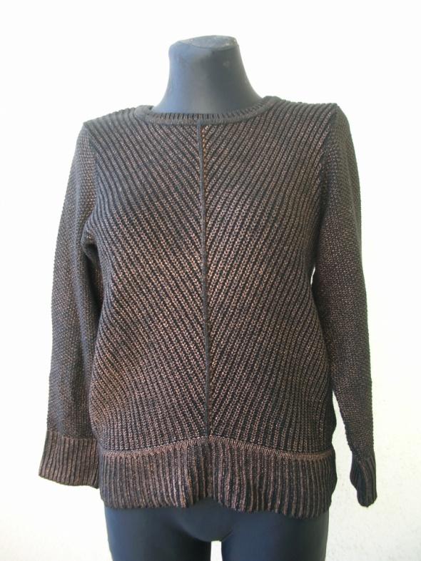 Sweter ze złota nitką r 38