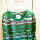 cieplutki zielony sweterek we wzorki