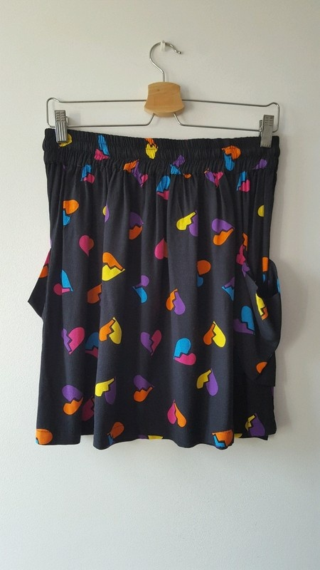Spódnice Spódniczka z kolorowymi zlamanymi sercami Asos 12