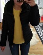 Granatowa puchowa kurtka zimowa Zara