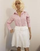 Biała bluzka koszulowa w różowe pasy...