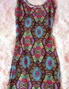 Sukienka dopasowana mini wzory kolorowe...