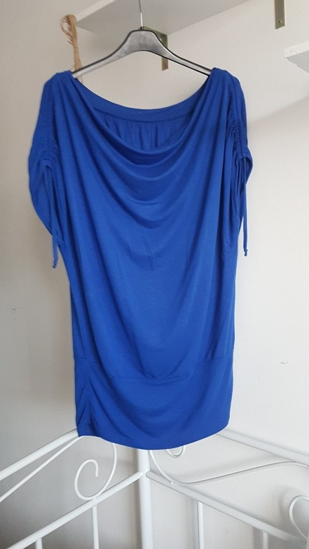 AMISU niebieska luźna bluzka woda