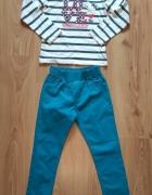 Bluzka z kotkiem Charmmykitty i niebieskie spodnie...