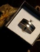 Duży srebrny pierścionek bardzo oryginalny j nowy