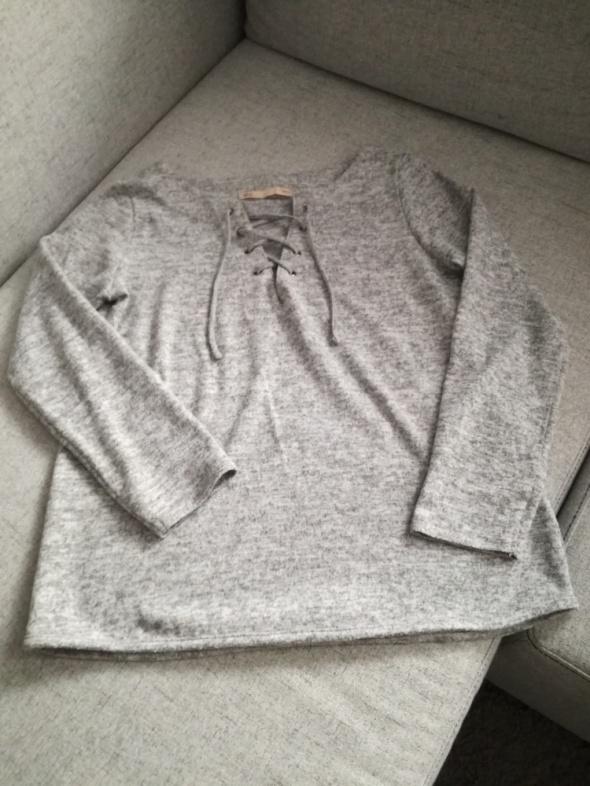 Szary sweter Sfera