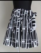 Spódnica czarno biała z wiązaną kokardą 38 M super stan...