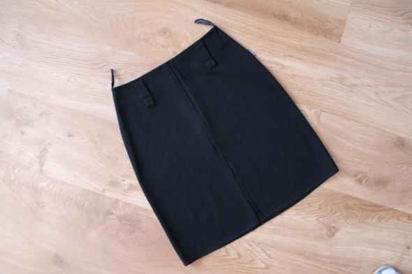 Spódnice Czarna spódnica klasyczna 36 S