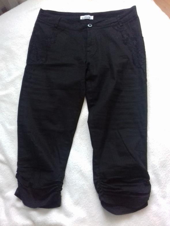 Spodenki Spodnie rybaczki czarne z koronką L