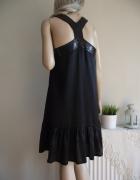 Luźna zwiewna czarna sukienka z falbanką i cekinami Bki Bok S M