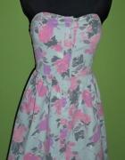 Rozkloszowana sukienka gorsetowa kwiaty...