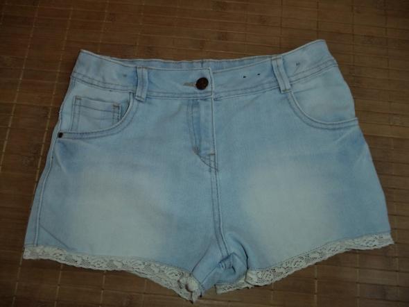 Spodenki Spodenki szorty jeans koronka