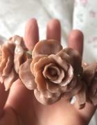 bransoletka w róże pull&bear