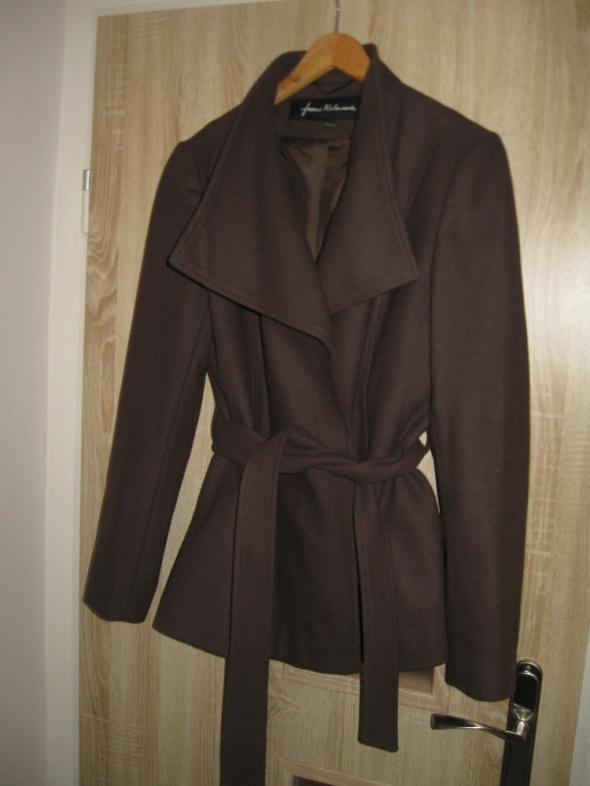 Odzież wierzchnia krótki brązowy płaszczyk rozmiar 42