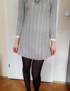 Elegancka szara sukienka z rozszerzanym dołem