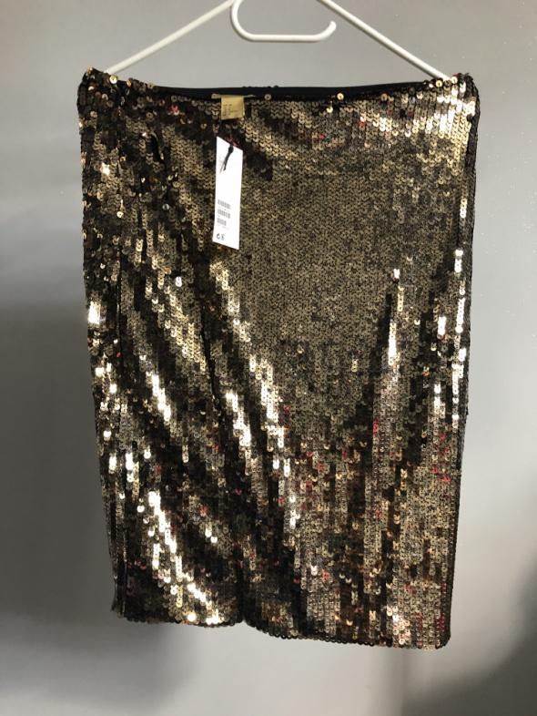 Nowa spódnica z cekinami firmy H&M