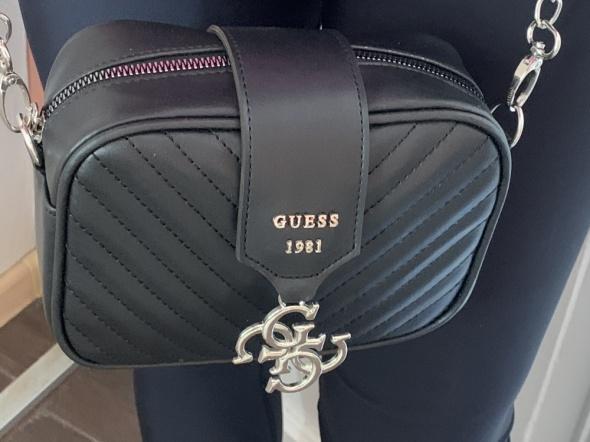 Guess czarna logowana torebka najnowszy model nowav