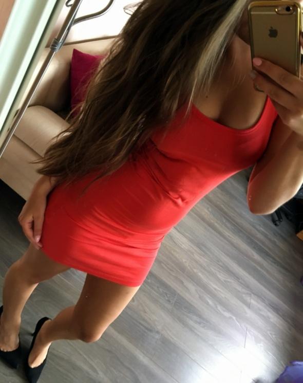 Suknie i sukienki Czerwona sukienka Gina Tricot S